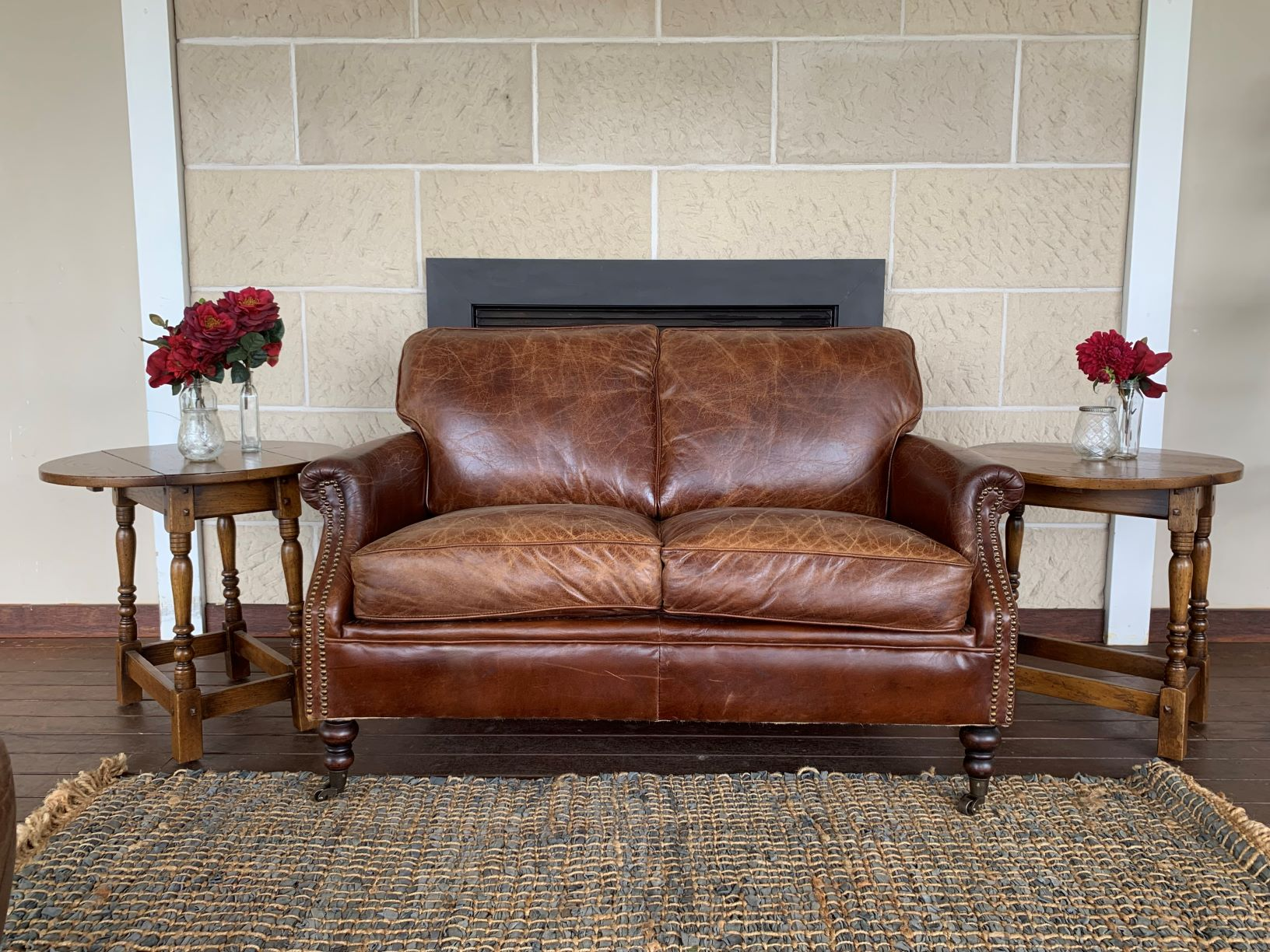 2 seater leather lounge (1)